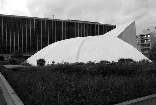 Décès d'Oscar Niemeyer Bourse10