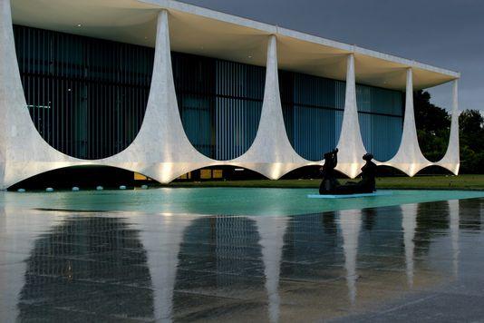 Décès d'Oscar Niemeyer Brasil13