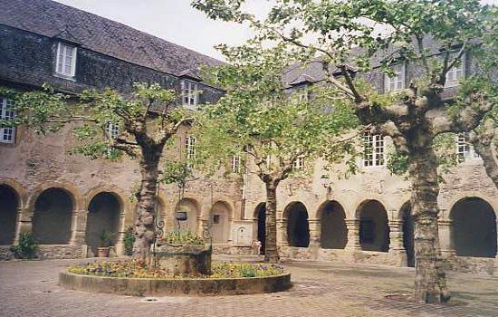 Saint Geniez d'Olt (Aveyron) visité sur le Web Cloitg10