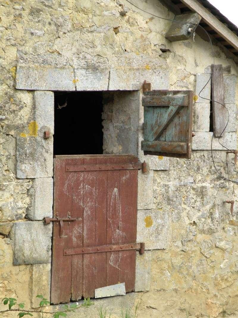 Un autre regard sur une ferme abandonnée Laraud14