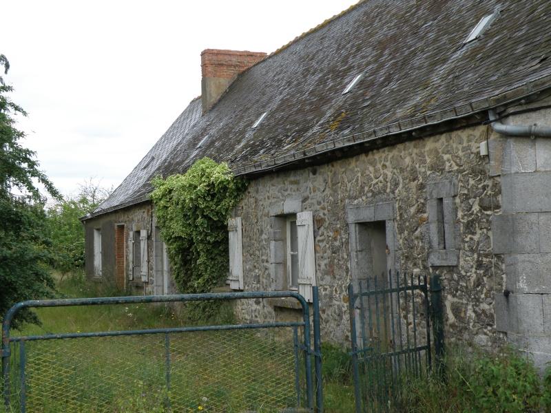 Un autre regard sur une ferme abandonnée Laraud17