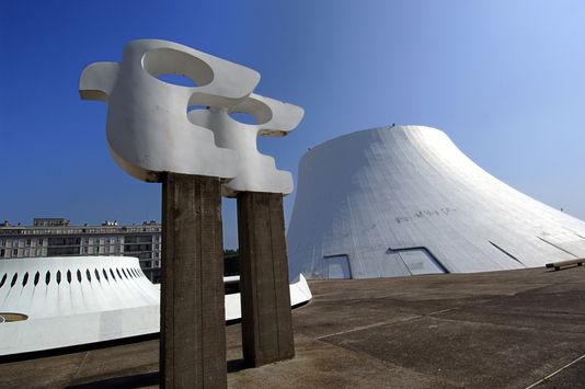 Décès d'Oscar Niemeyer Le-vol10