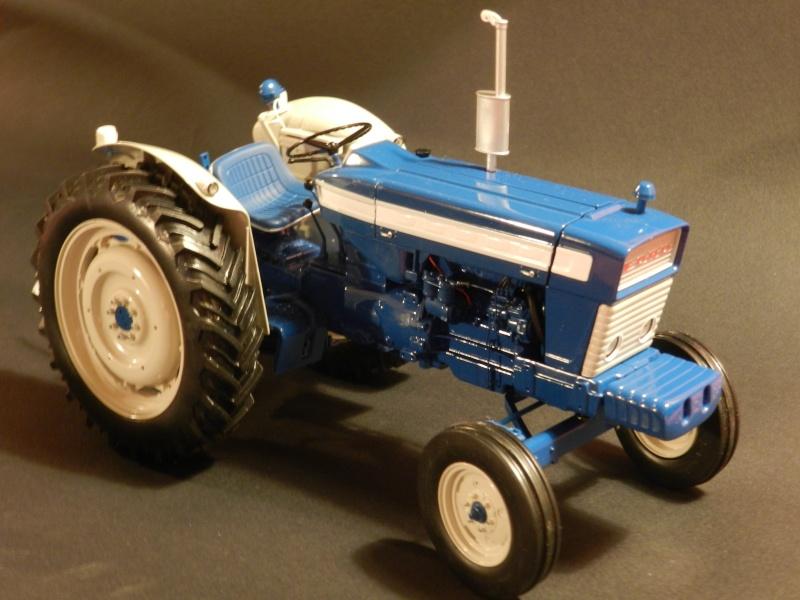 Tracteur FORD 4000 bleu Legran25