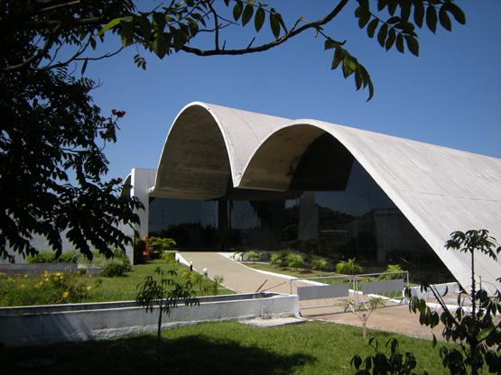 Décès d'Oscar Niemeyer Memori10