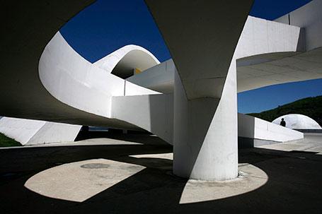 Décès d'Oscar Niemeyer Mort-d11