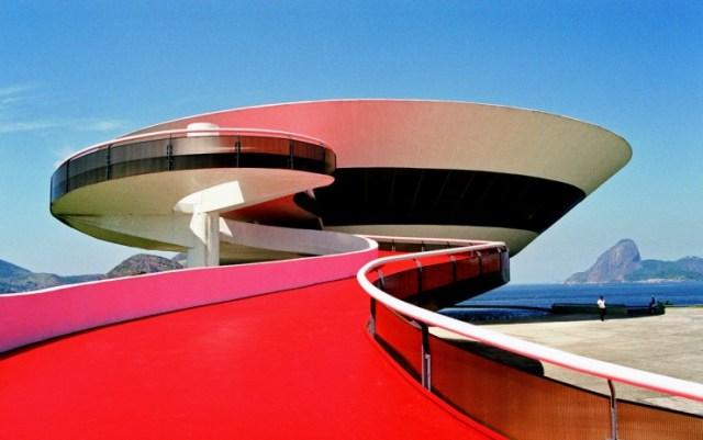 Décès d'Oscar Niemeyer Oscar-10