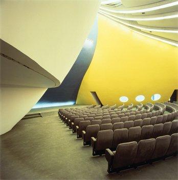 Décès d'Oscar Niemeyer Oscarn10