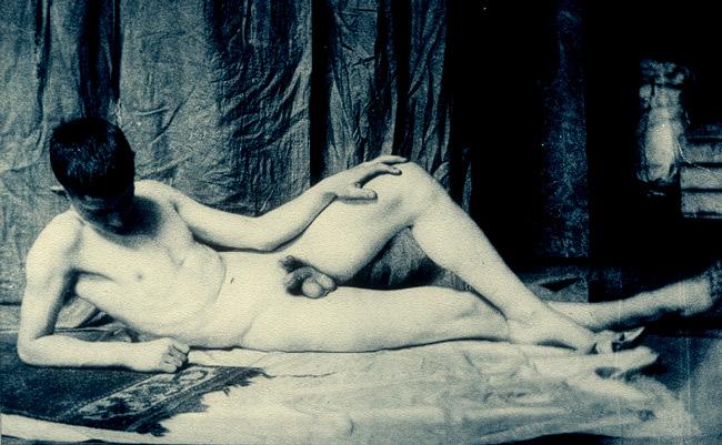 Recherche web sur les nus allongés Thomas10