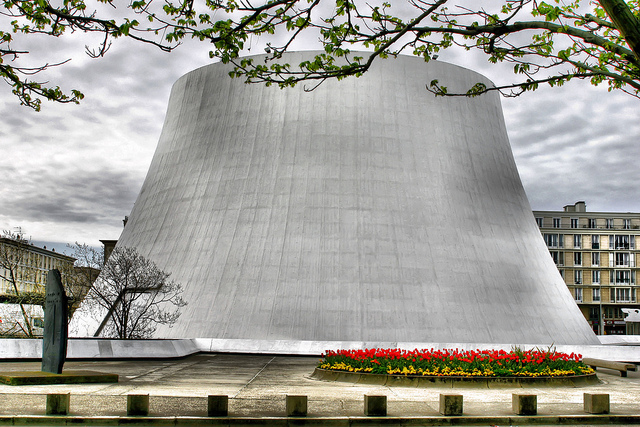 Décès d'Oscar Niemeyer Volcan12