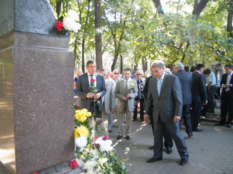 LIMBA NOASTRĂ CEA ROMÂNĂ Chişinău-31 august 2011 si Cernăuţi 10 sept 2011 31-aug26