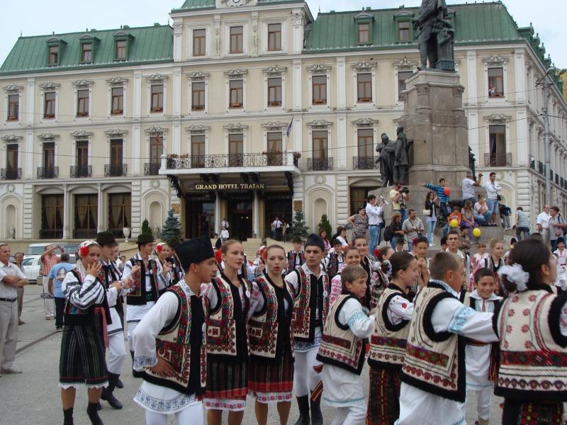 """A XVII-a editie a Festivalului de Folclor pentru Copii si Tineret """"Catalina""""-Iasi -02/03 sept 2011 510"""