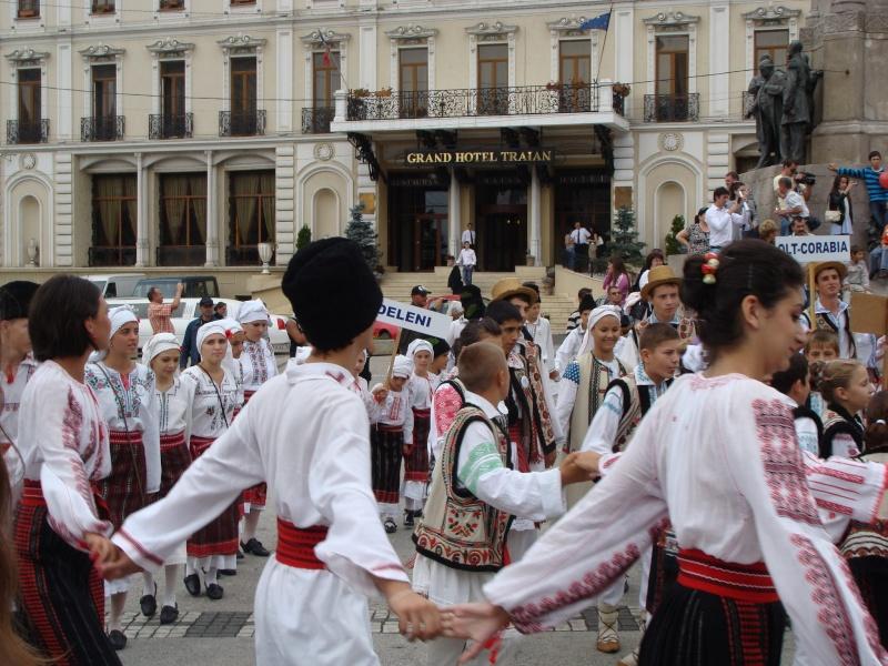 """A XVII-a editie a Festivalului de Folclor pentru Copii si Tineret """"Catalina""""-Iasi -02/03 sept 2011 710"""