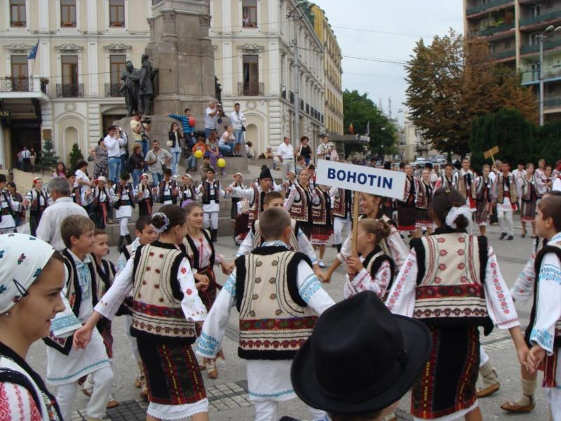 """A XVII-a editie a Festivalului de Folclor pentru Copii si Tineret """"Catalina""""-Iasi -02/03 sept 2011 9_10"""