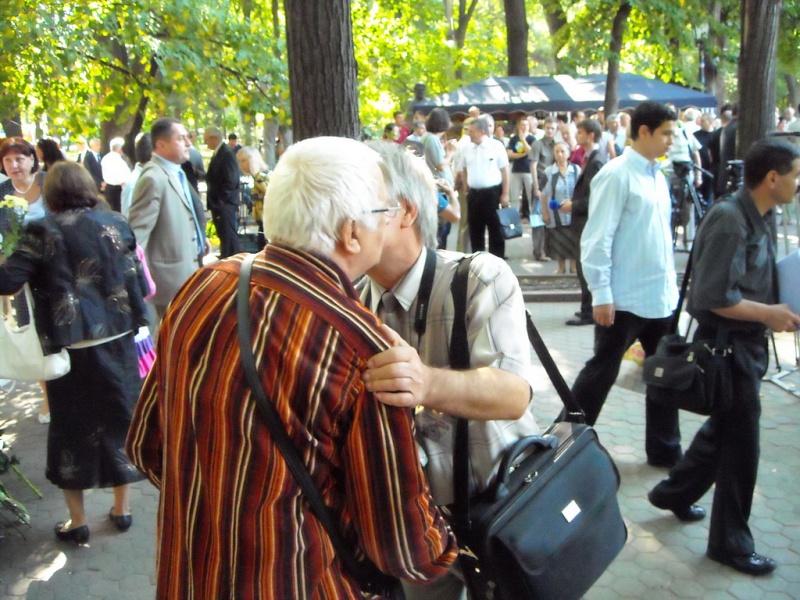 LIMBA NOASTRĂ CEA ROMÂNĂ Chişinău-31 august 2011 si Cernăuţi 10 sept 2011 A_0310