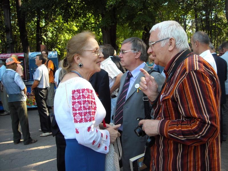 LIMBA NOASTRĂ CEA ROMÂNĂ Chişinău-31 august 2011 si Cernăuţi 10 sept 2011 A_0610