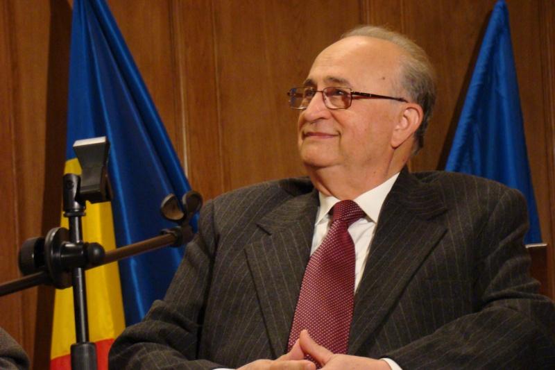 Academicianul Teodor Dima Apolon10