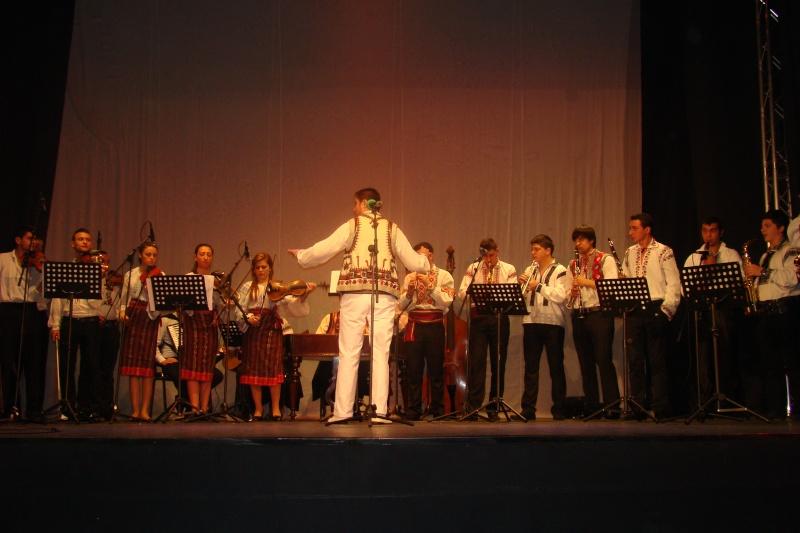 Spectacol de muzică populară dedicat Micii Uniri -25 ian 2012 Ateneu49