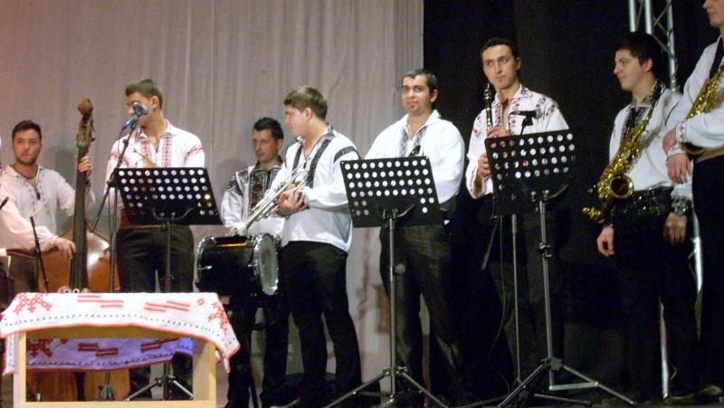 Spectacol de muzică populară dedicat Micii Uniri -25 ian 2012 Ateneu51