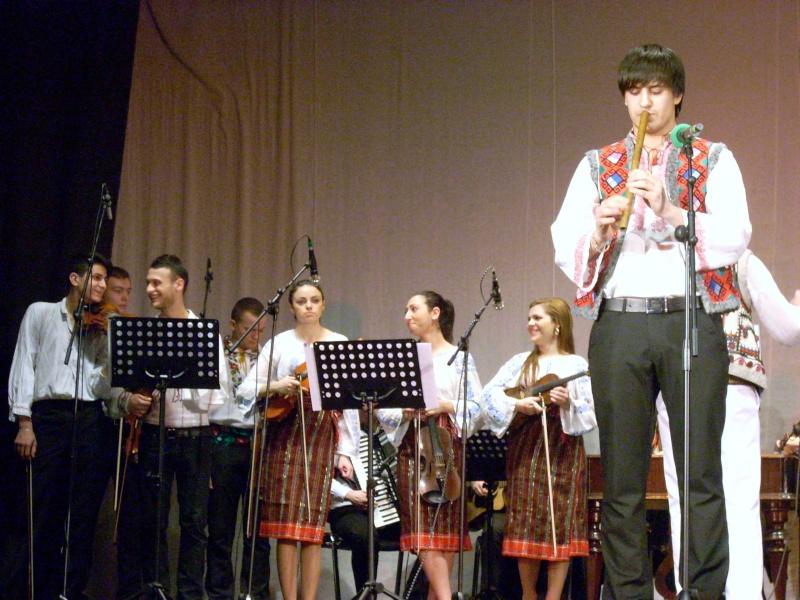 Spectacol de muzică populară dedicat Micii Uniri -25 ian 2012 Ateneu52