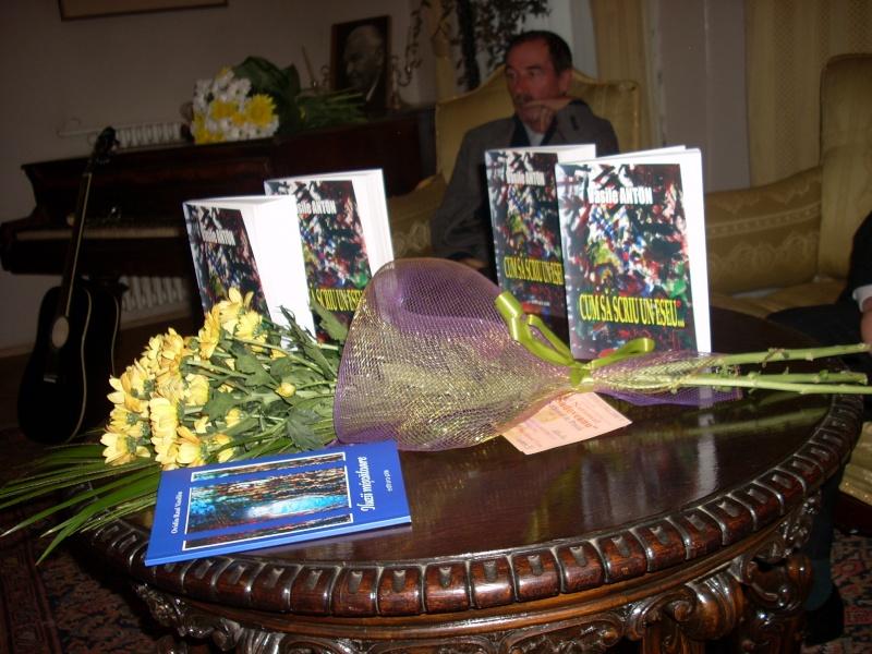 Şedinţa a XVIII-a Cenaclului U.P.-Lansare de carte-Vasile Anton-28 oct 2011 Cenacl11