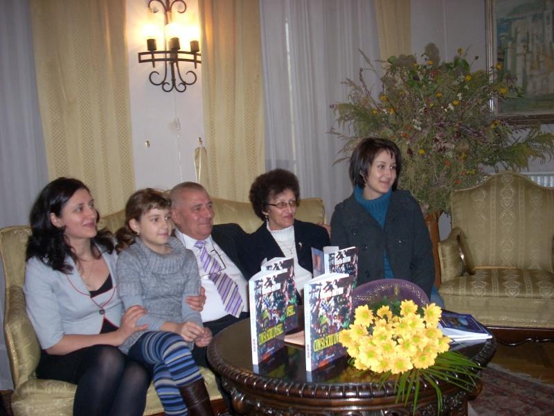 Şedinţa a XVIII-a Cenaclului U.P.-Lansare de carte-Vasile Anton-28 oct 2011 Cenacl19