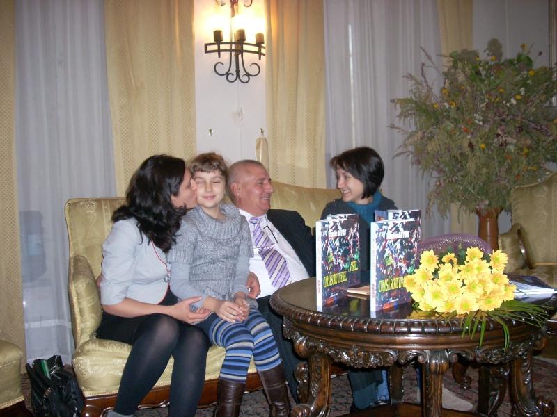 Şedinţa a XVIII-a Cenaclului U.P.-Lansare de carte-Vasile Anton-28 oct 2011 Cenacl22