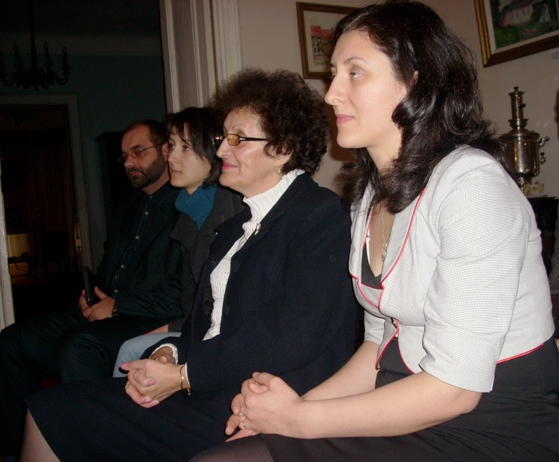 Şedinţa a XVIII-a Cenaclului U.P.-Lansare de carte-Vasile Anton-28 oct 2011 Cenacl27
