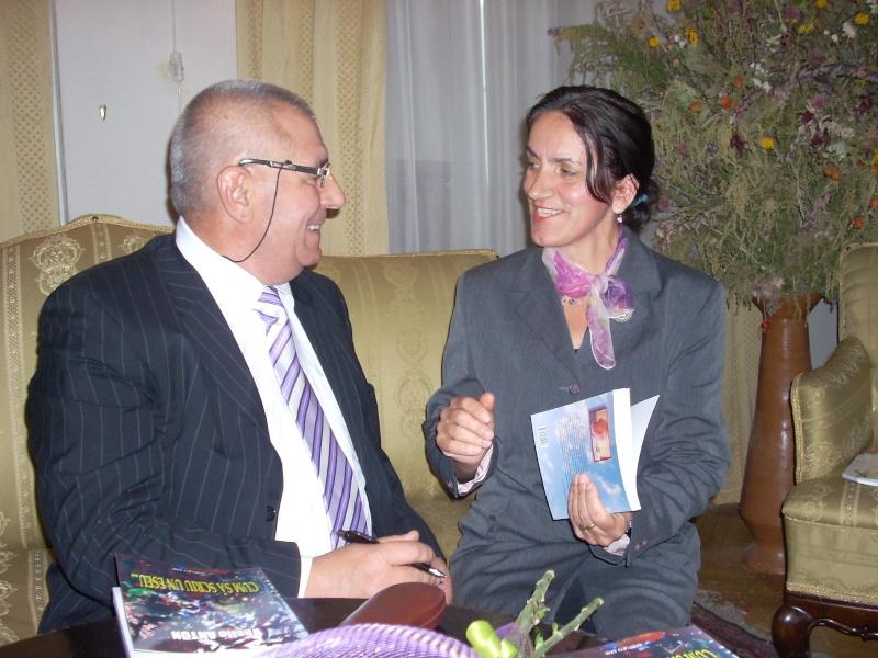 Şedinţa a XVIII-a Cenaclului U.P.-Lansare de carte-Vasile Anton-28 oct 2011 Cenacl30