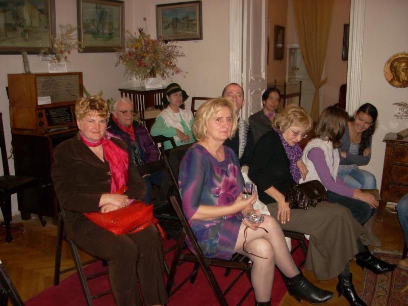 Şedinţa a XVIII-a Cenaclului U.P.-Lansare de carte-Vasile Anton-28 oct 2011 Cenacl32