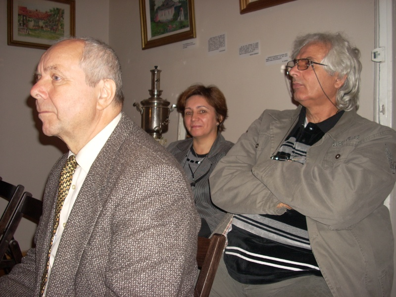 Şedinţa a XVIII-a Cenaclului U.P.-Lansare de carte-Vasile Anton-28 oct 2011 Cenacl36