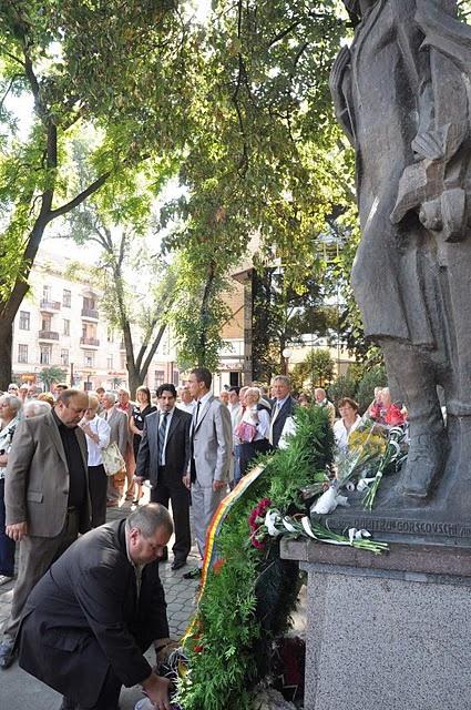 LIMBA NOASTRĂ CEA ROMÂNĂ Chişinău-31 august 2011 si Cernăuţi 10 sept 2011 Clip_119