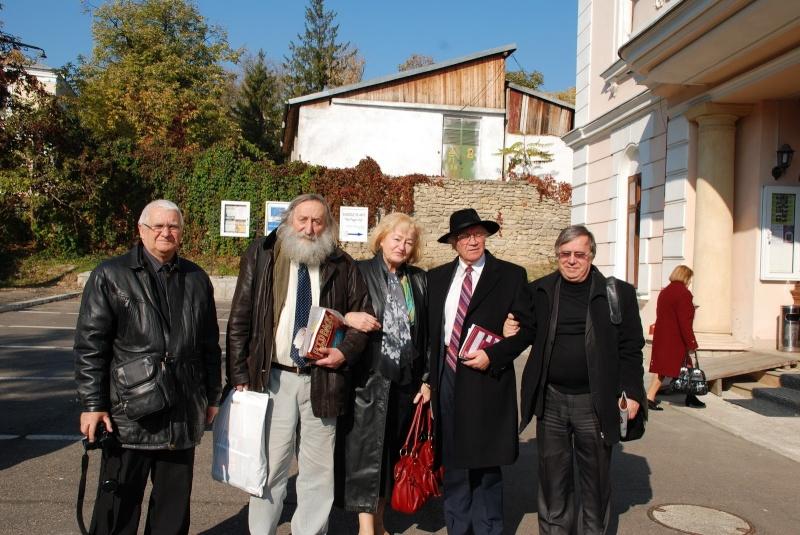 """Festivalul Internaţional de Poezie """"Grigore Vieru""""-Iasi si Chisinau- editia 2011  Clip_158"""