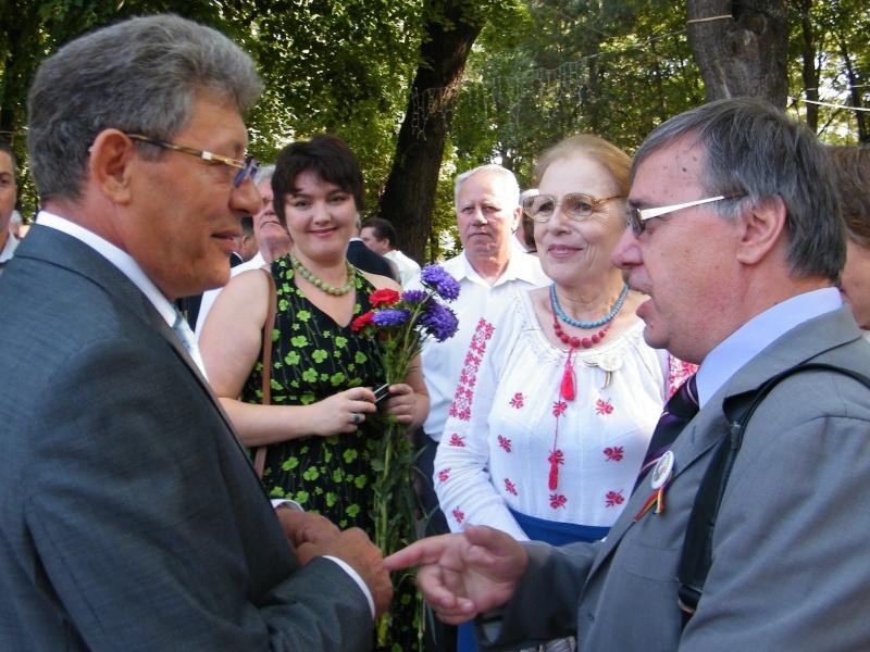 LIMBA NOASTRĂ CEA ROMÂNĂ Chişinău-31 august 2011 si Cernăuţi 10 sept 2011 Clip_211