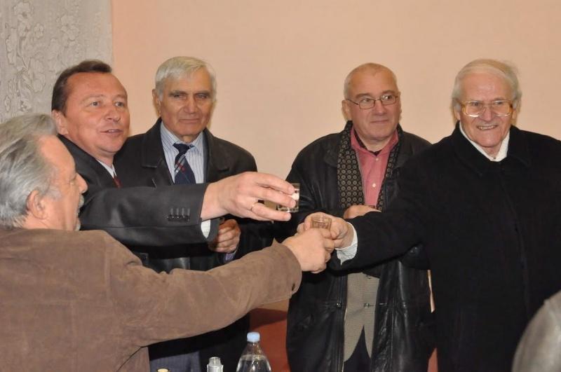 """Lansare de carte: Mircea Lutic. """"ARMINDEN CU HERUVIMI"""" si """"IN LUMINA CUMINECARII"""" Clip_246"""
