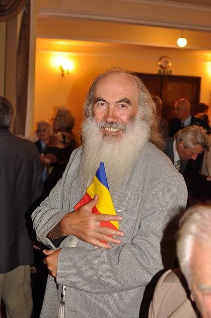 LIMBA NOASTRĂ CEA ROMÂNĂ Chişinău-31 august 2011 si Cernăuţi 10 sept 2011 Clip_322