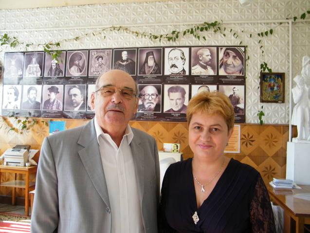 LIMBA NOASTRĂ CEA ROMÂNĂ Chişinău-31 august 2011 si Cernăuţi 10 sept 2011 Clip_324
