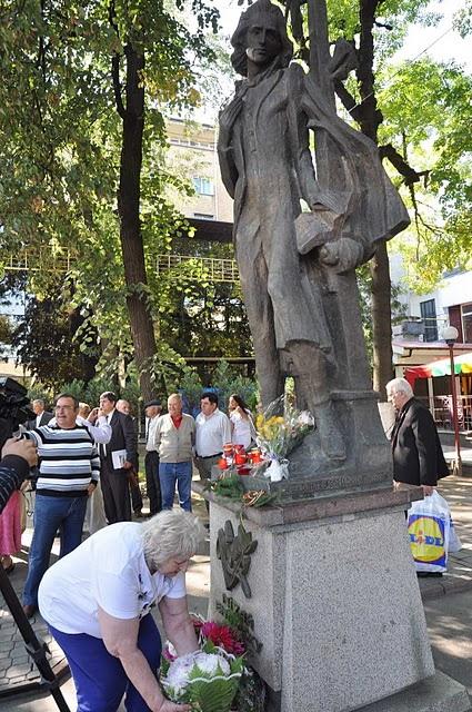 LIMBA NOASTRĂ CEA ROMÂNĂ Chişinău-31 august 2011 si Cernăuţi 10 sept 2011 Clip_516