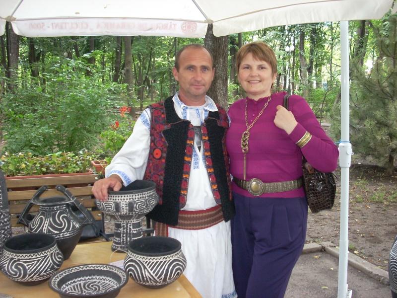 Targul de arta ceramica Cucuteni si al mestesugarilor de la Iasi-1/3 iulie 2011 Cucute13