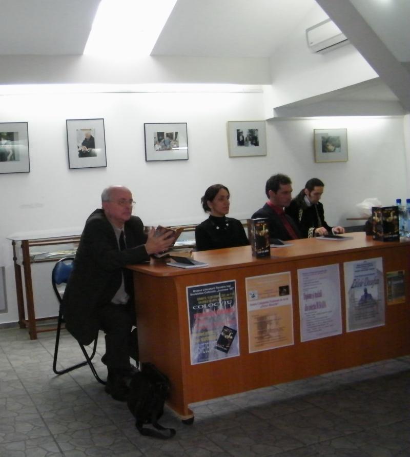 """Lansarea volumului """"Surâsul meu Gothic"""" -Dorina Neculce în cadrul Colocviului- """"Estetica gotică şi ecouri moderne""""-10 dec 2011 Dorina10"""