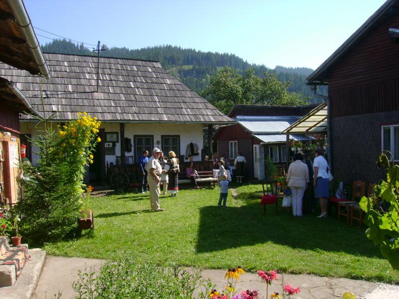 Tabăra de creaţie şi recreaţie de la Câmpulung Moldovenesc-29 iulie/06 august 2011 Dsc00231