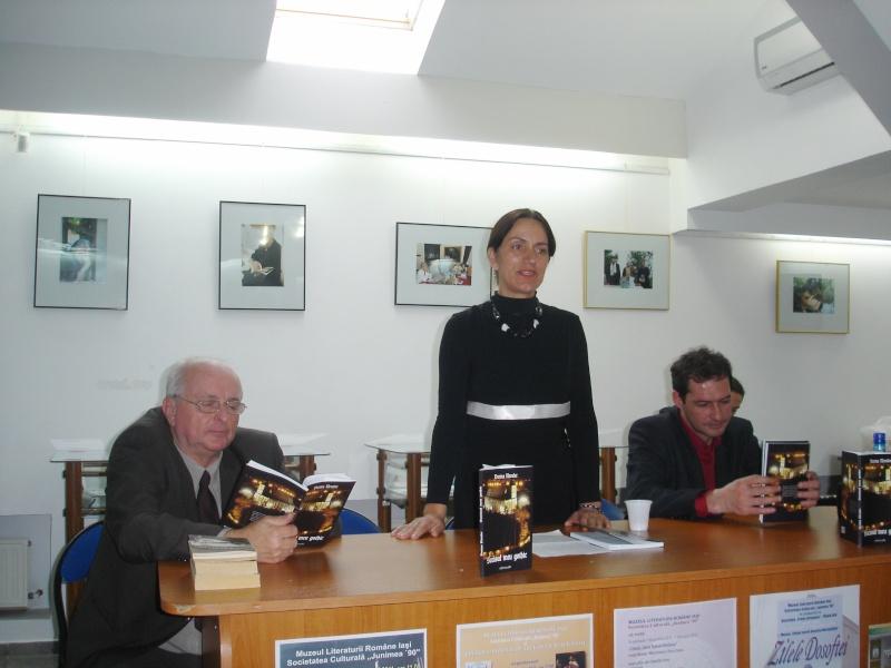 """Lansarea volumului """"Surâsul meu Gothic"""" -Dorina Neculce în cadrul Colocviului- """"Estetica gotică şi ecouri moderne""""-10 dec 2011 Dsc02413"""