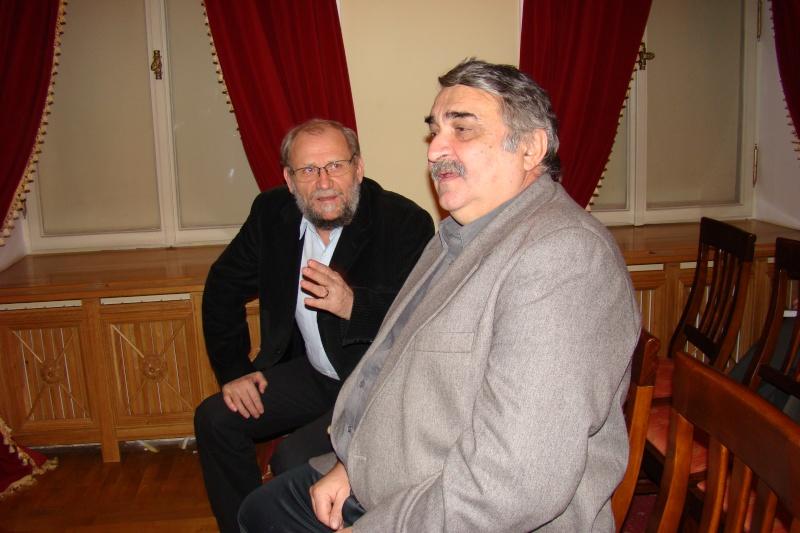 """Lansare de carte - """"Leul înaripat""""-Gabriel Chiriac, la Muzeul Unirii-11 noiembrie 2011 Dsc03311"""