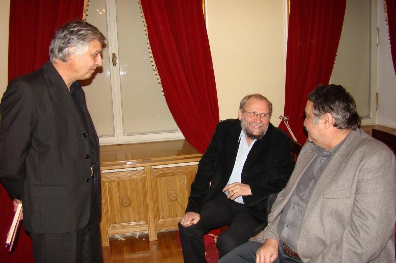 """Lansare de carte - """"Leul înaripat""""-Gabriel Chiriac, la Muzeul Unirii-11 noiembrie 2011 Dsc03312"""