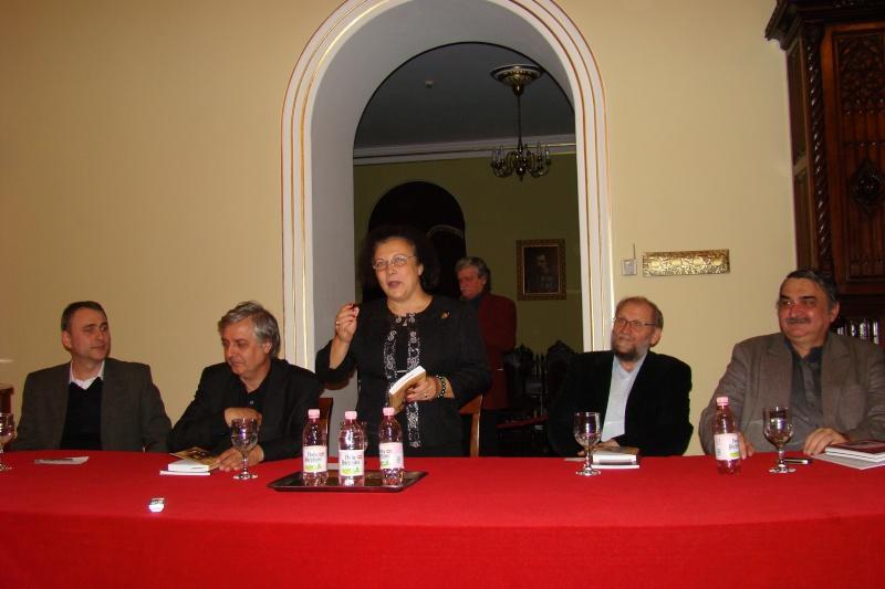 """Lansare de carte - """"Leul înaripat""""-Gabriel Chiriac, la Muzeul Unirii-11 noiembrie 2011 Dsc03319"""