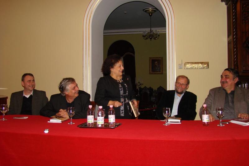"""Lansare de carte - """"Leul înaripat""""-Gabriel Chiriac, la Muzeul Unirii-11 noiembrie 2011 Dsc03320"""