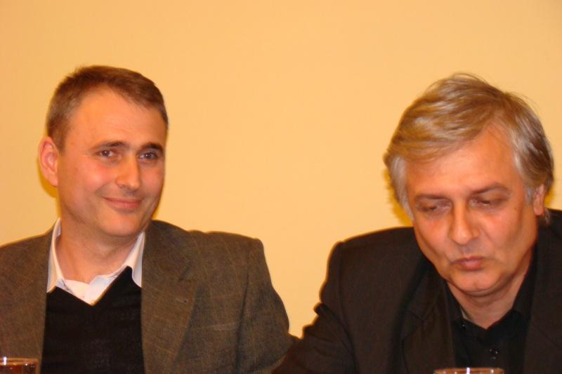 """Lansare de carte - """"Leul înaripat""""-Gabriel Chiriac, la Muzeul Unirii-11 noiembrie 2011 Dsc03322"""