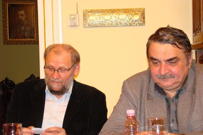 """Lansare de carte - """"Leul înaripat""""-Gabriel Chiriac, la Muzeul Unirii-11 noiembrie 2011 Dsc03323"""