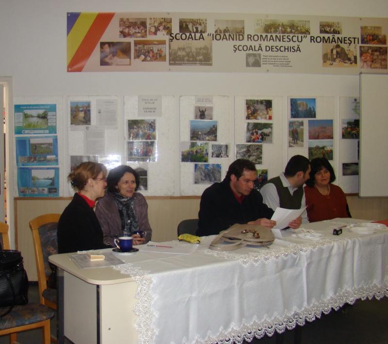 """Manifestări dedicate omagierii poetului Mihai Eminescu la şcoala """"Ioanid Romanescu"""" din Româneşti Dsc03523"""