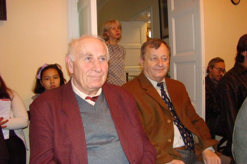 """Lansare de carte """"Triumful Indolenţilor""""- Mihai Batog Bujeniţă-18 nov 2012 Dsc05120"""