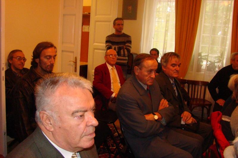 """Lansare de carte """"Triumful Indolenţilor""""- Mihai Batog Bujeniţă-18 nov 2012 Dsc05121"""